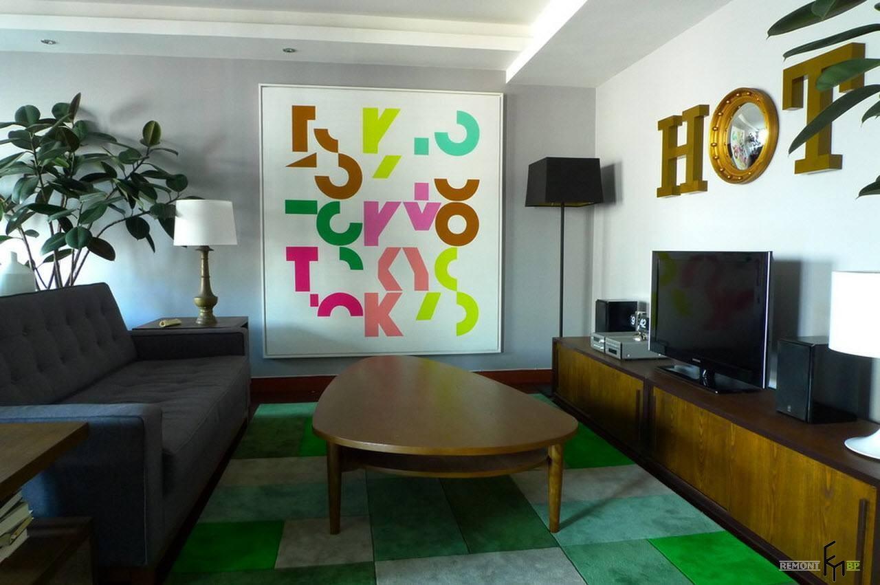 Яркая и практичная гостиная