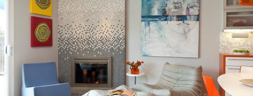 Камин, украшенный мозаикой