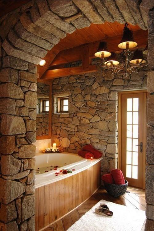 Дизайн ванной декоративным камнем