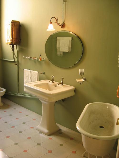 Покраска ванной комнаты фото