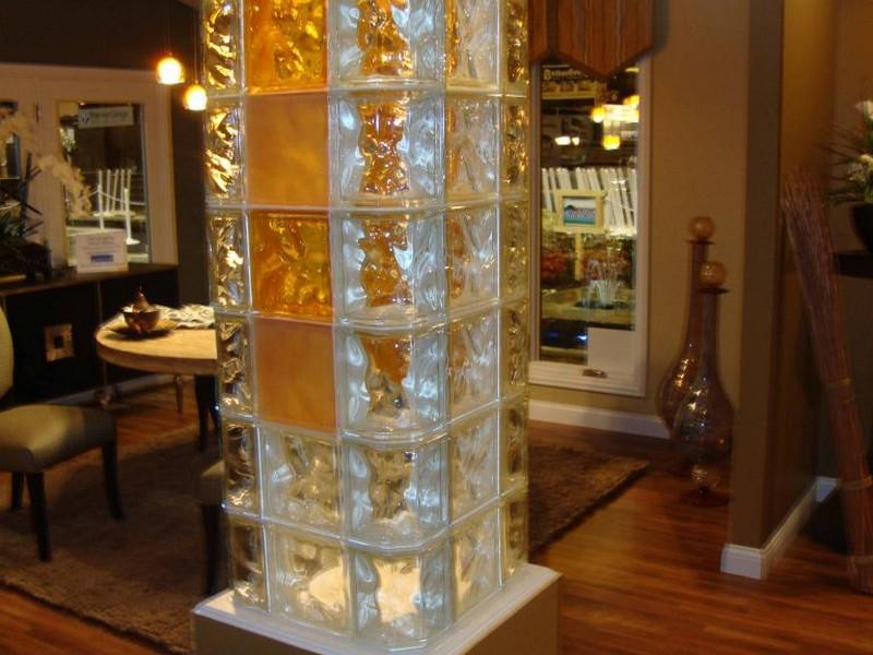 Колона из стеклоблоков