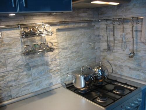 Дизайн кухни с камнем фото