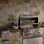 Оформление кухни камнем