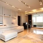 Мягкий диван в однокомнатной квартире