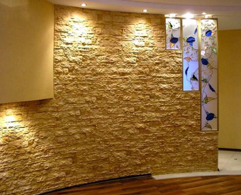 Отделка стен в доме камнем