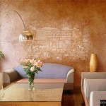 Декоративная штукатурка на стене в зале