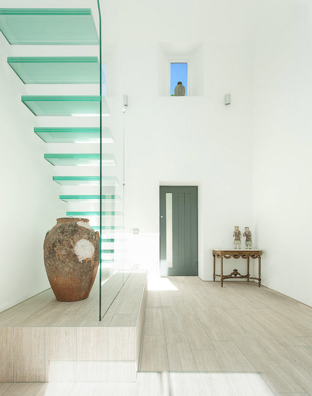 Оригинальные лестницы из стекла фото