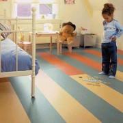 Мармолеум в интерьере детской