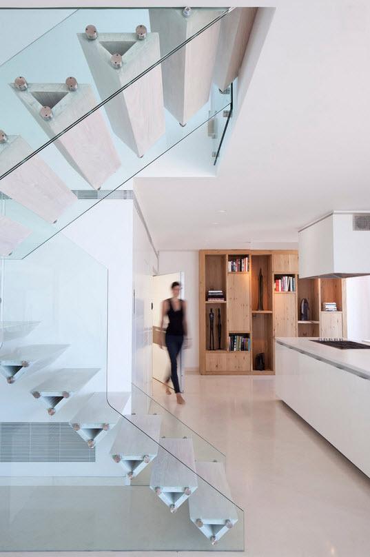 Примеры лестниц из стекла