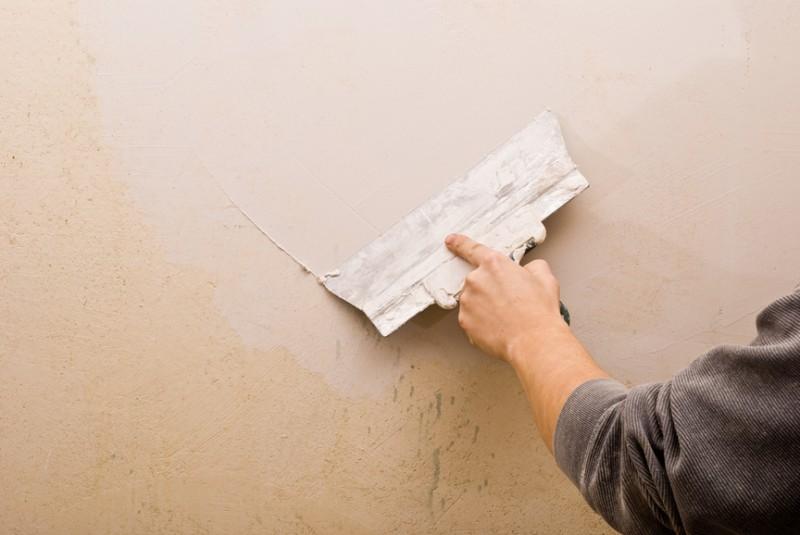Как шпаклевать окрашенные стены своими руками