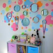 Много зеркал в детской
