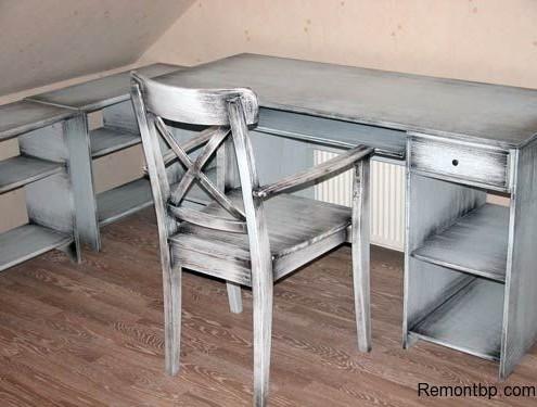 Стол и стул под старину