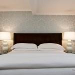 Спальная комната с орнаментом