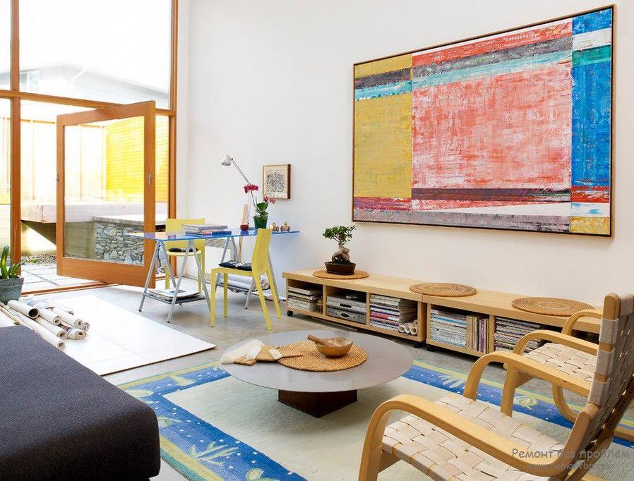 Квартира с картиной