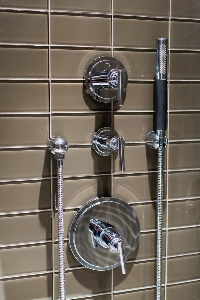 Стеклянная плитка ванная