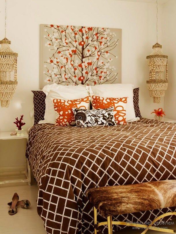 Дизайн спальной комнаты с картиной