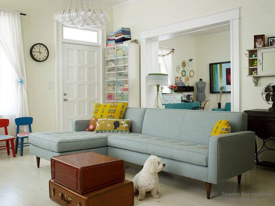 Светлый оттенок дивана в интерьере