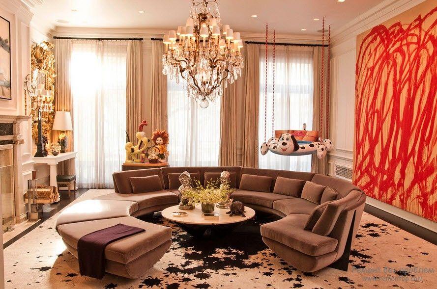 Полукруглый диван в интерьере