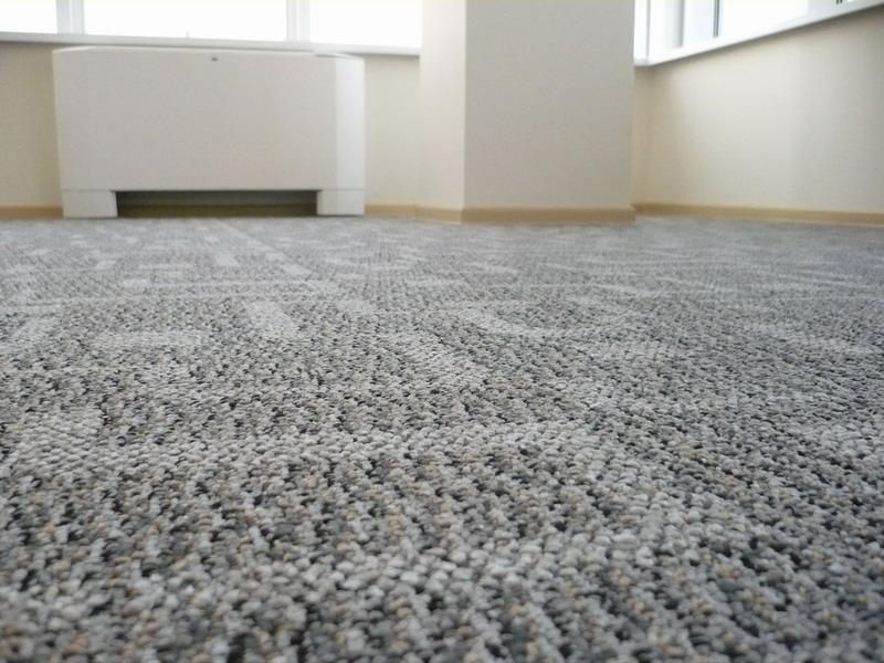 Классические варианты отделки пола в квартире: какой материал лучше?