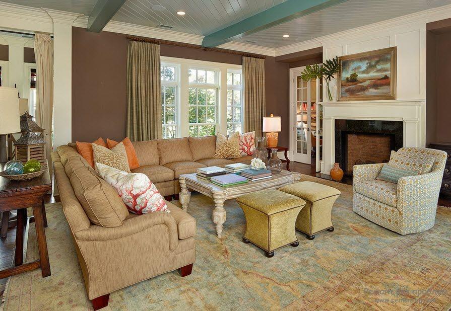 Реечный потолок в гостиной на фото