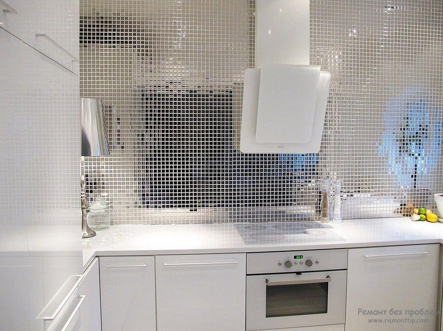 Зеркальная плитка в интерьере, Дизайн комнат с зеркальной отделкой