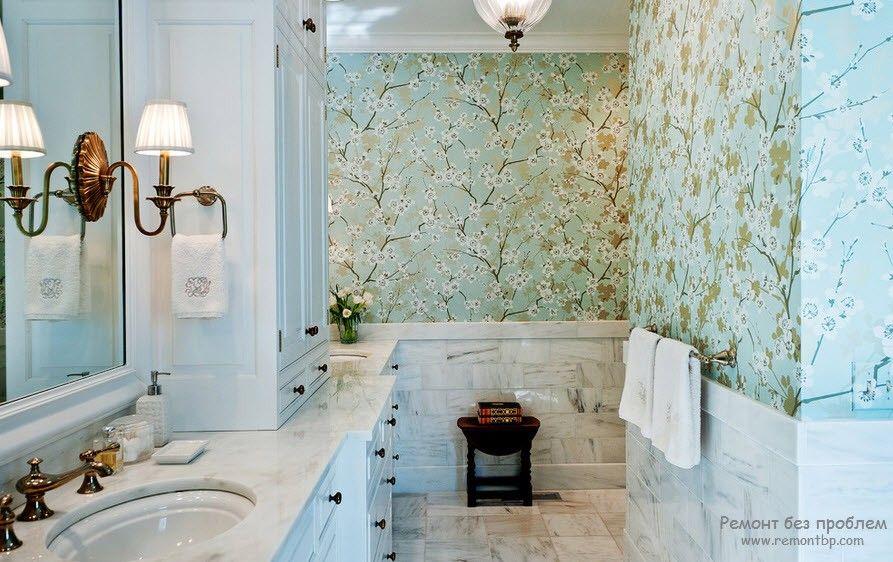 Флизелиновые обои в интерьере ванной