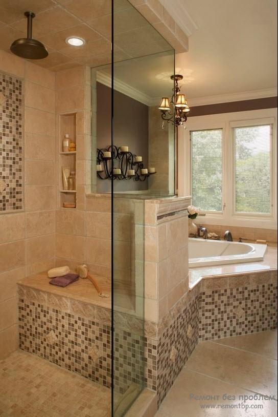 Фото ванны с мозаикой в золотисто кофейных цветах