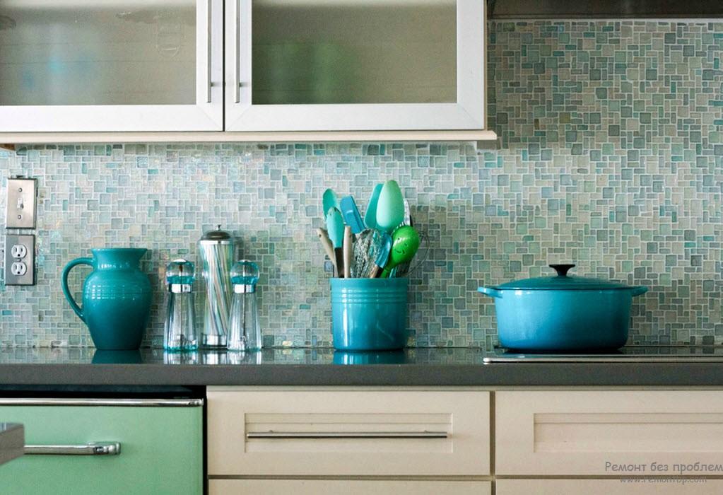 Стеклянная мозаика в интерьере, Современный дизайн кухни и ванной
