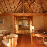 Интерьер гостиной в стиле бунгало