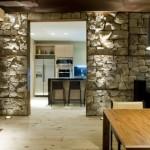 Внутренняя отделка стен декоративным камнем