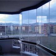 Какие существуют способы остекления лоджий и балконов в квартире