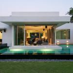 Современный дом в стиле бунгало фото