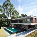 Двухэтажный дом в стиле бунгало