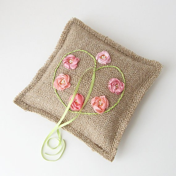 Идеи декора подушки фото и примеры