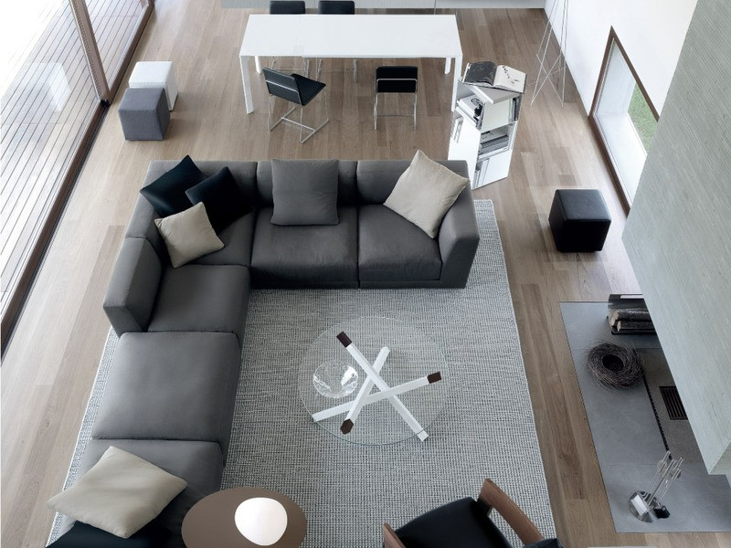 Угловой диван для гостиной в интерьере