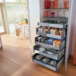 Функциональный кухонный шкаф