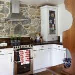Угловая кухня небольших размеров