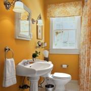 Оранжевая маленькая ванная