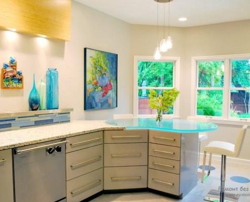 Светлая кухня интерьер и дизайг