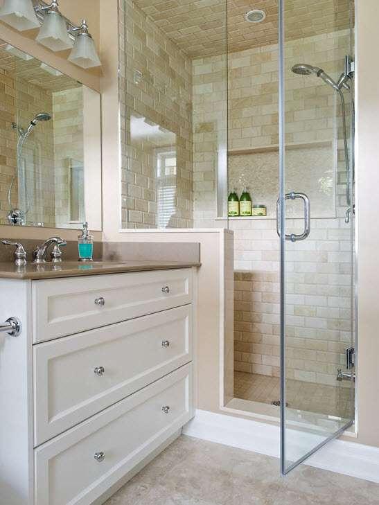 Лучший дизайн плитки для маленькой ванной 9