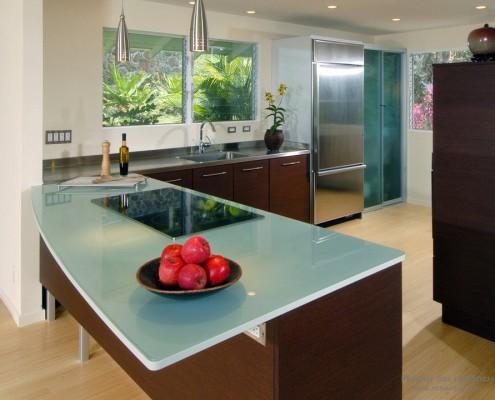 Кухня из стекла на фото