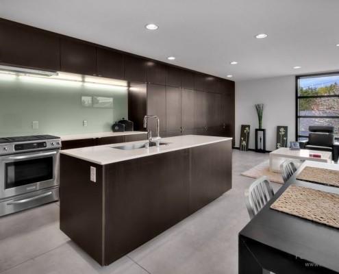 Фото стеклянной кухни