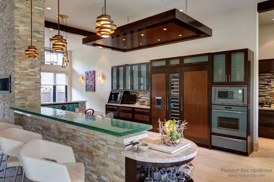 Красивый стеклянный кухонный фасад