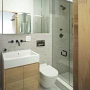 Маленькая ванная в стиле минимализм