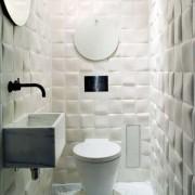 Оригинальная отделка стен в ванной