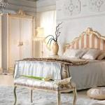 Арт-Деко в спальне кровать светлая