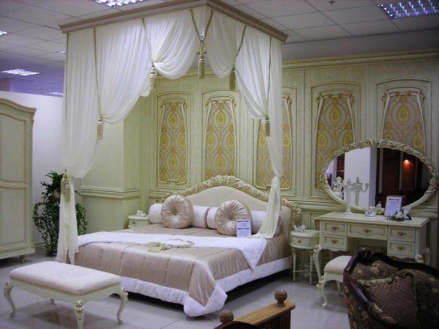 Королевское оформление спальни