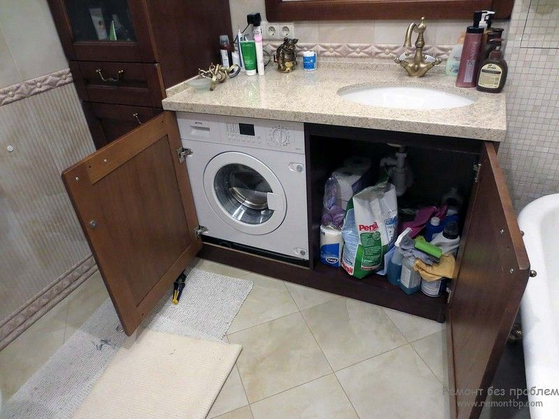 Спрятанная стиральная машинка в ванной