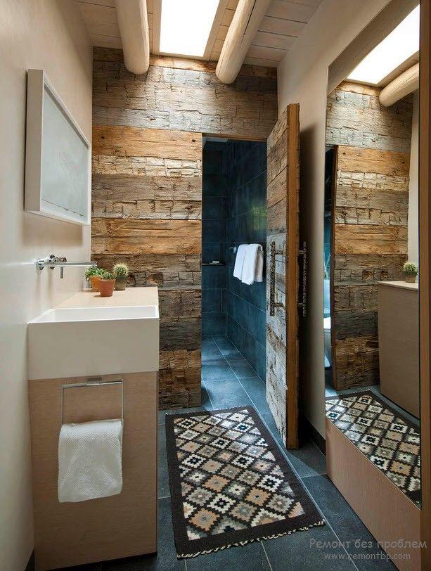 Деревянное оформление стен ванной комнаты
