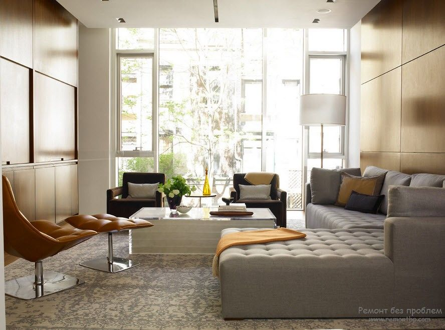 Стандартный набор красивой белой мягкой мебели